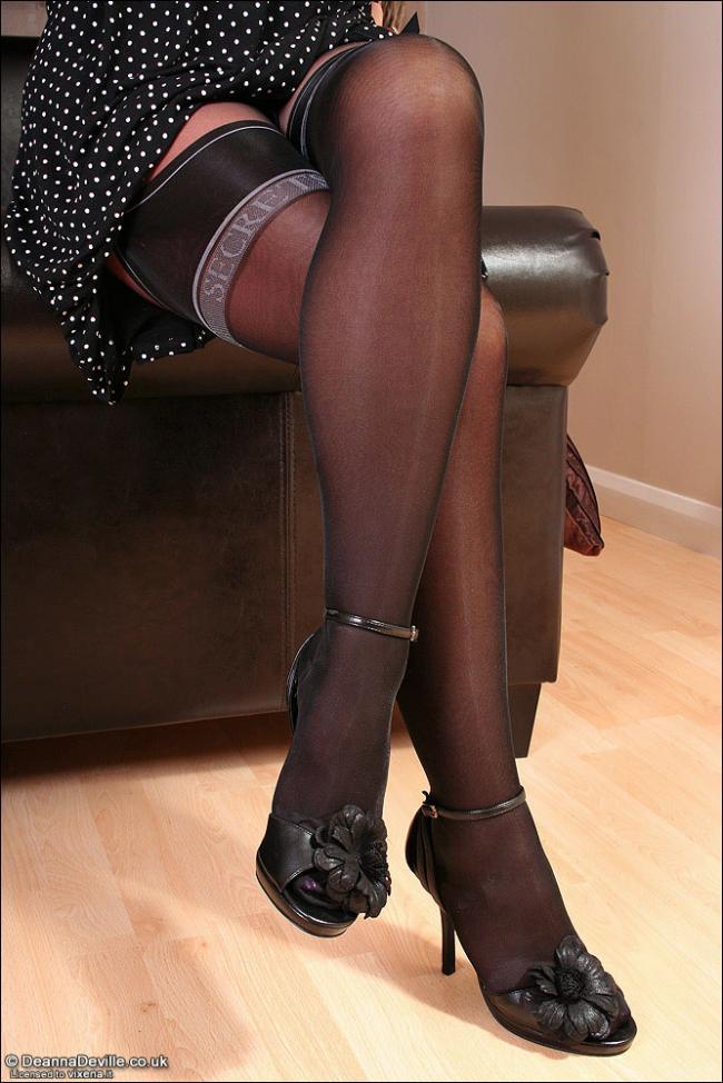 Нейлоновые черные чулки фото 572-113